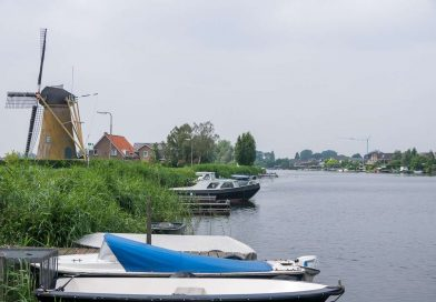 Asfaltreparaties op de Waalweg in Ridderkerk
