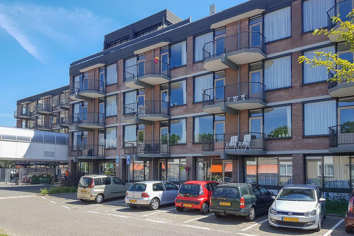 Havenstad operettekoor op het ontmoetingsplein reyerheem for Lantaren venster rotterdam agenda