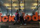 2 lokale meiden in De Viral Fabriek van Nickelodeon