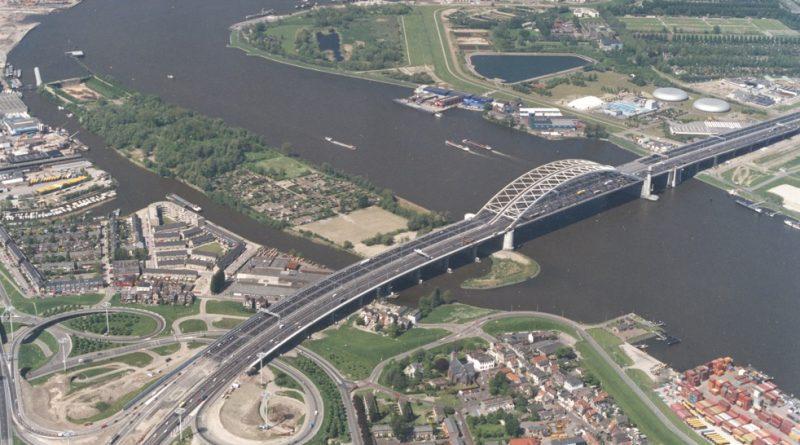 Weekendafsluiting hoofdrijbaan Van Brienenoordbrug (A16)