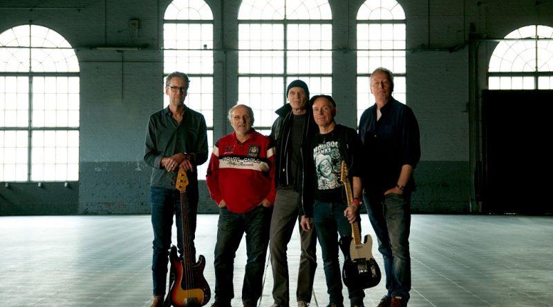 The Lamm Grey Bluesband live bij Bluezy op TV Ridderkerk