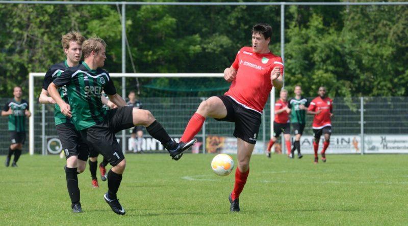 Slikkerveer verliest in blessuretijd met 2-1 bij Nicolaas Boys