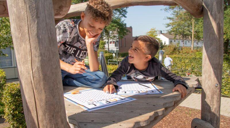 Ruim 300 basisscholen in Zuid-Holland doen mee met Nationale Buitenlesdag