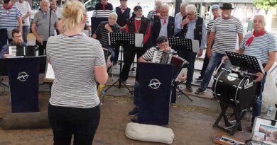 Optreden Shantykoor Albatros bij TV Ridderkerk